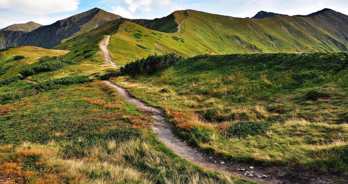 Kilka pomysłów na ciekawe wycieczki w Tatry dla początkujących